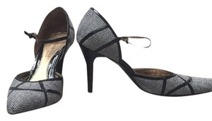 Kenneth Cole Black and White Pumps