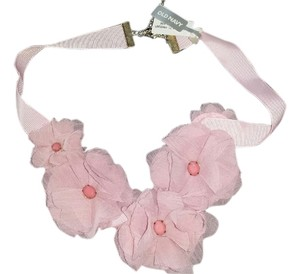Old Navy Ribbon Flower Short Necklace