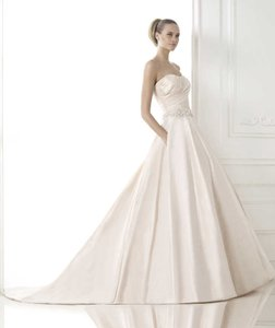 Pronovias Bluma Wedding Dress