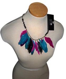 Rue 21 Feather necklace
