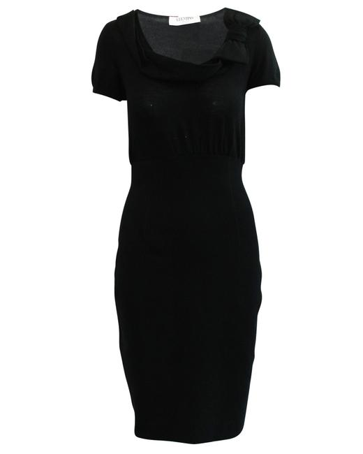 Item - Woolen Black with Short Sleeves -pre Owned Condition Cocktail Dress
