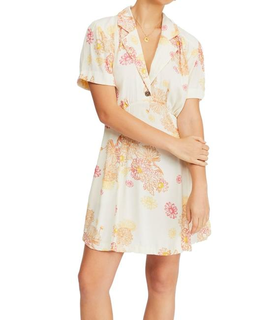 Item - Womens Pastel Yellow Size Small S Shift Floral Cocktail Dress
