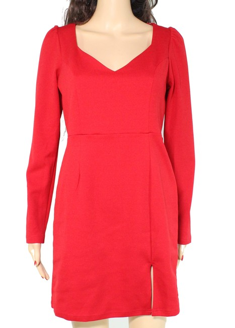 Item - Womens Holiday Red Size Small S Sheath V-neck Long Sleeve Cocktail Dress