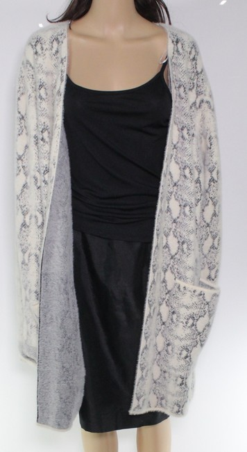 Item - XL Women's White Ivory Size Cozy Snake Print Sweater/Pullover
