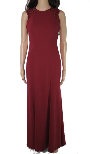 Item - Collection Women's Gown Burgundy Red Size 0 Lace Yoke Seamed Hosiery