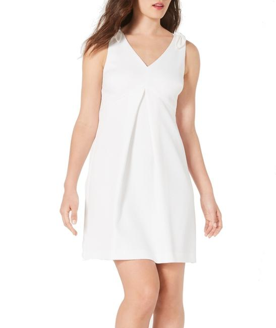 Item - Women's White Size 10 A-line V Neck Pleated Textured Cocktail Dress