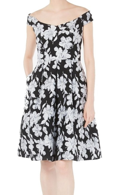 Item - Women Silver Size 4 A-line Embroidered Floral Pleat Cocktail Dress