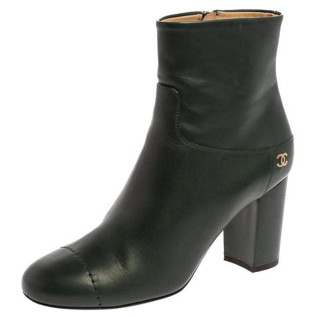 Item - Green Leather Cc Block Heel Ankle Size 39.5 Boots/Booties
