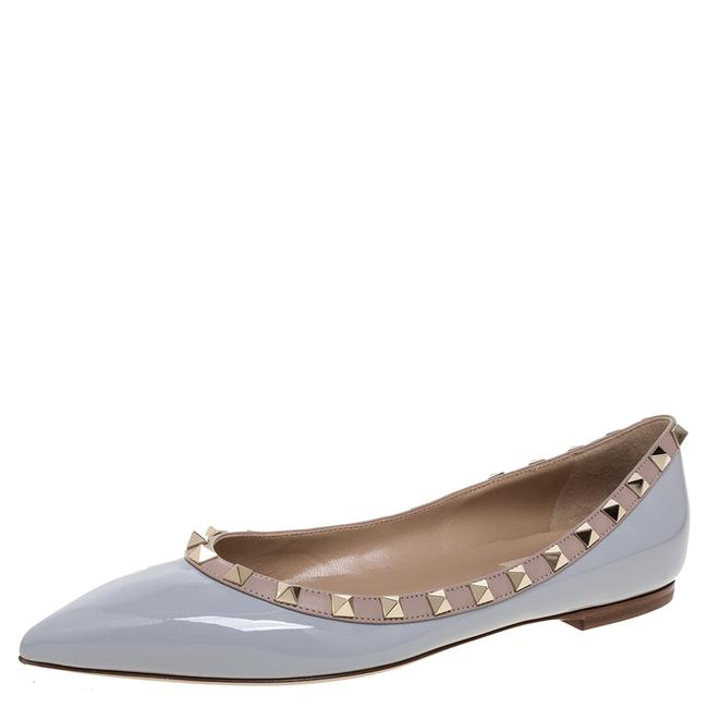 Item - Pastel Grey/Beige Patent Leather Rockstud Trim Pointed Toe Ballet Size 38.5 Flats