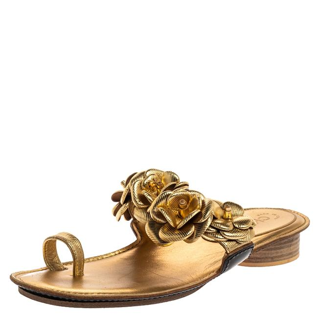 Item - Metallic Gold Leather Flower Detail Toe Ring Size 40 Flats