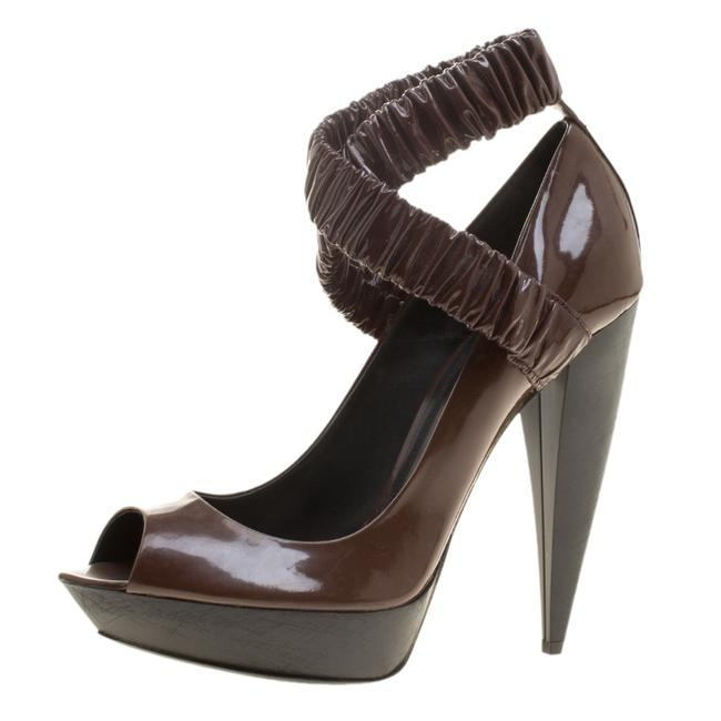 Item - Brown Patent Leather Ruched Criss Cross Peep Size 39 Pumps