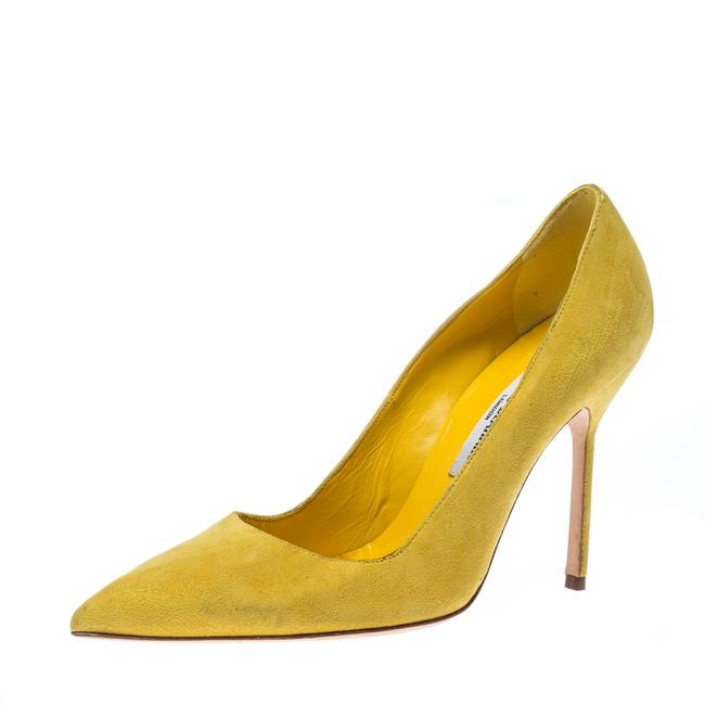 Item - Yellow Suede Ponited Size 37 Pumps