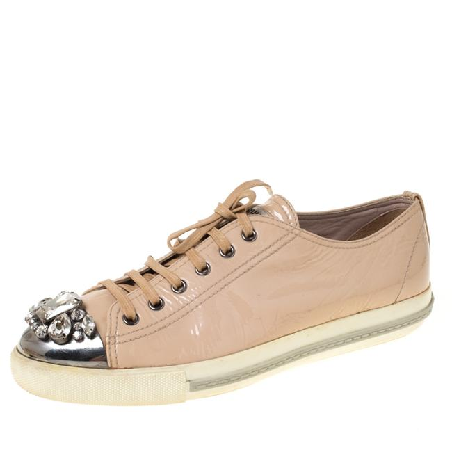Item - Beige Patent Leather Crystal Embellished Cap Toe Lace Up Sneakers Size 41 Athletic
