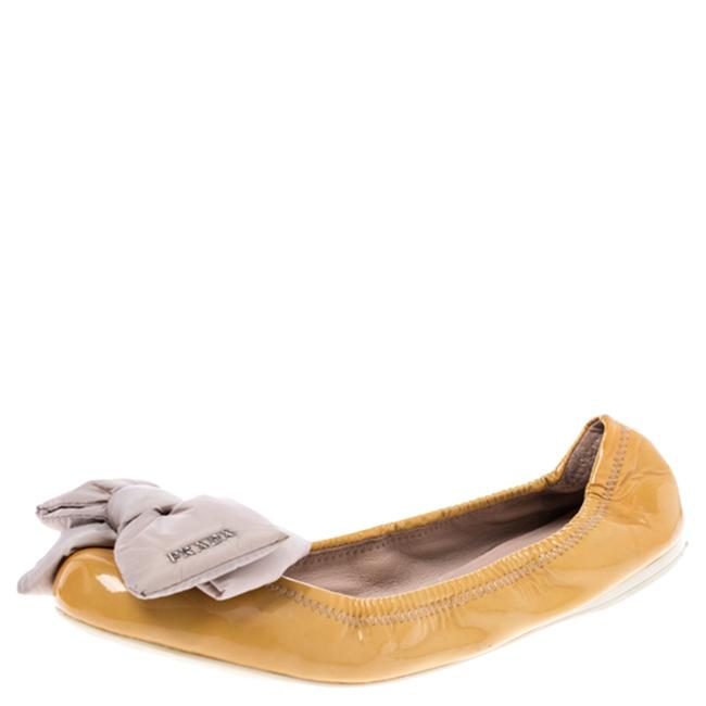 Item - Mustard Patent Leather Bow Ballet Size 39 Flats