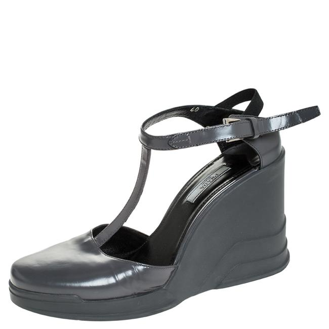 Item - Grey Leather T- Strap Carved Rubber Wedge Size 40 Sandals