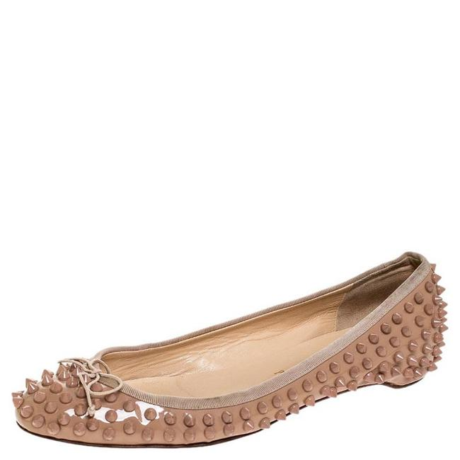 Item - Beige Patent Leather Spike Pointed Toe Ballet Size 39 Flats