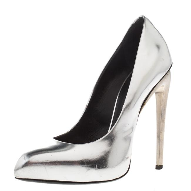 Item - Metallic Silver Pointed Size 37 Pumps