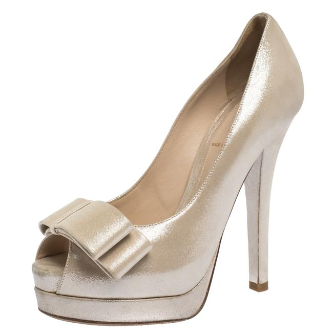 Item - Cream Textured Leather Deco Bow Platform Size 36 Pumps
