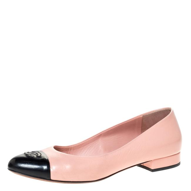 Item - Pink Leather and Black Patent Leather Cc Cap Toe Ballet Size 39.5 Flats