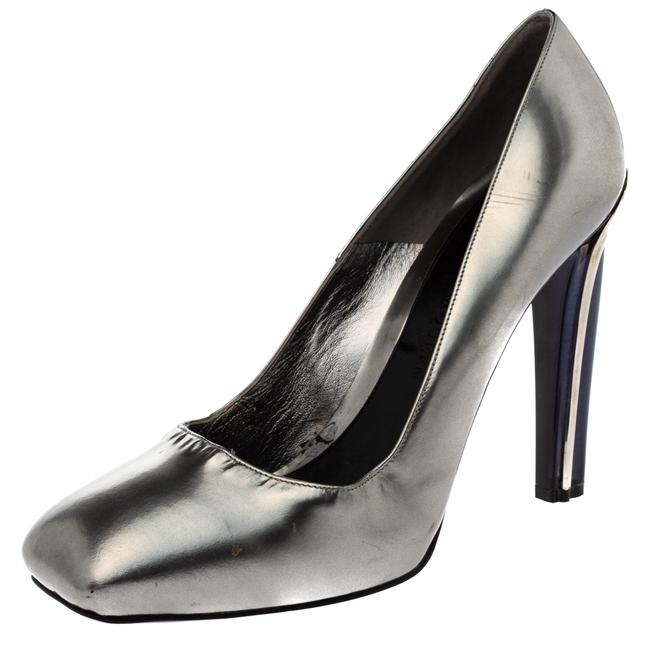 Item - Silver Patent Leather Square Size 41 Pumps