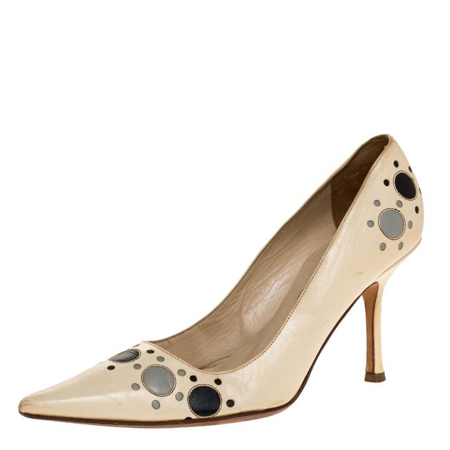 Item - Cream Leather Circle Detail Pointed Size 38.5 Pumps