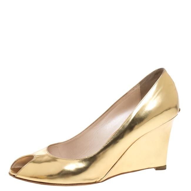 Item - Gold Patent Leather Wedge Peep Size 38.5 Pumps