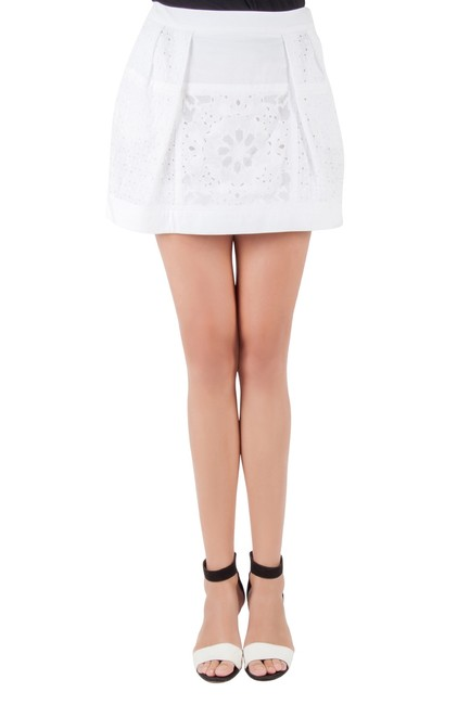 Item - White Broderie Anglaise Cotton Lace Paneled Mini Skirt