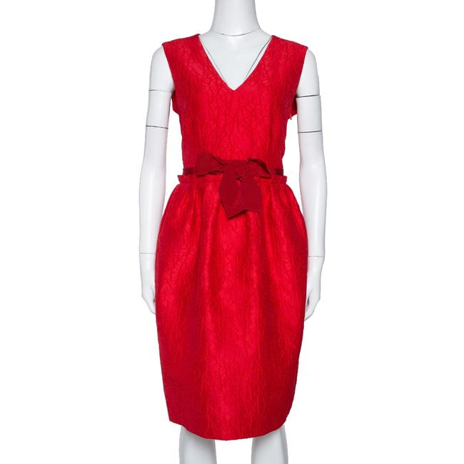 Item - Red Floral Embossed Jacquard Sleeveless