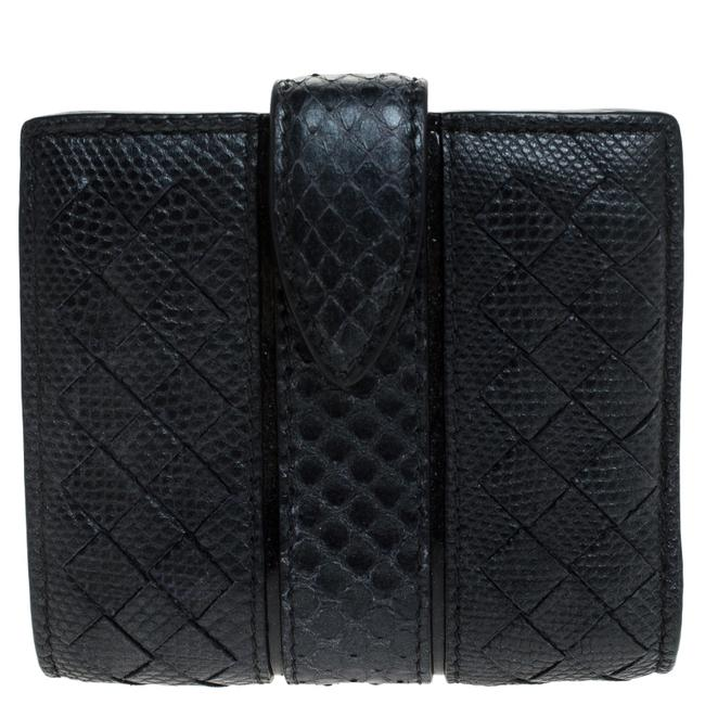 Item - Navy Blue Intrecciato Leather Compact Wallet