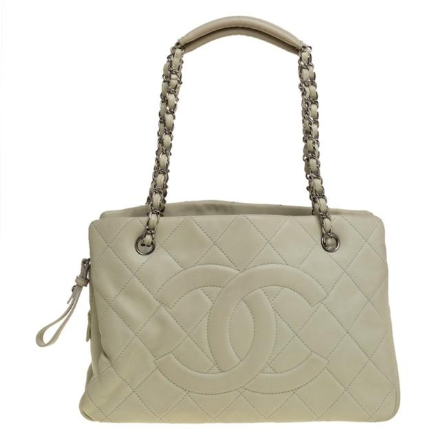 Item - Off White Quilted Caviar Leather Timeless Shopper Tote
