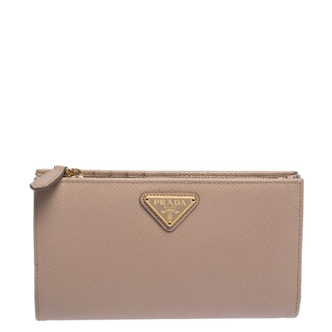 Item - Beige Leather Snap Continental Wallet