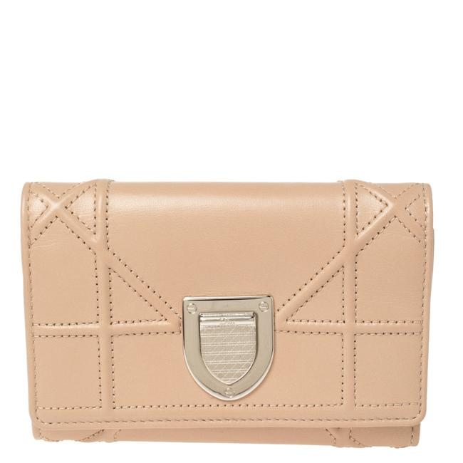 Item - Beige Leather ama Trifold Wallet
