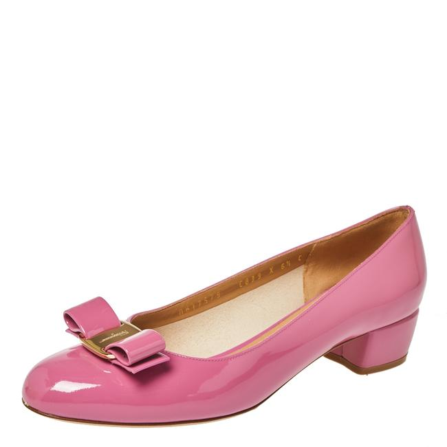 Item - Pink Patent Leather Vara Bow Size 37 Flats