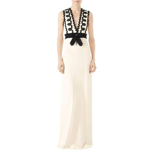 Item - Jersey XS Sleeveless V-neck Gown with Lace Trim Cocktail Dress