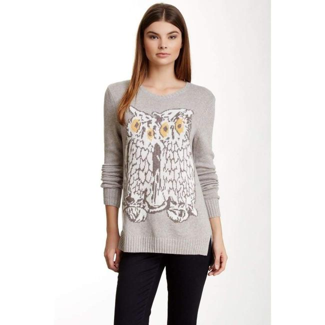 Item - Rooney Graphic Long Sleeve Sweater M Button-down Top