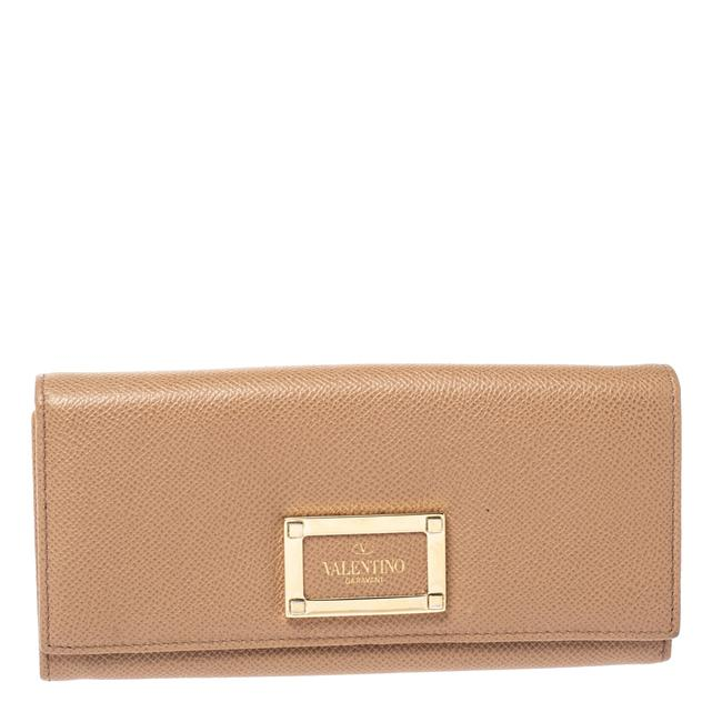 Item - Beige Leather Flap Continental Wallet