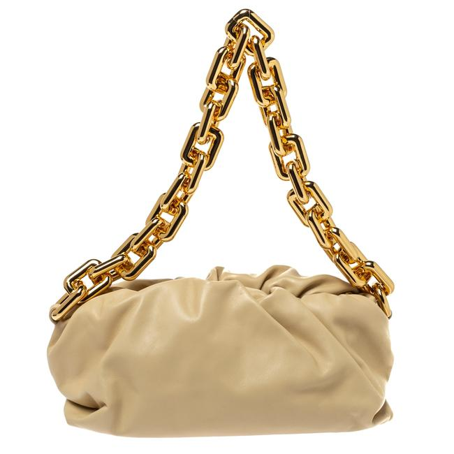 Item - Beige Leather The Chain Pouch Shoulder Bag