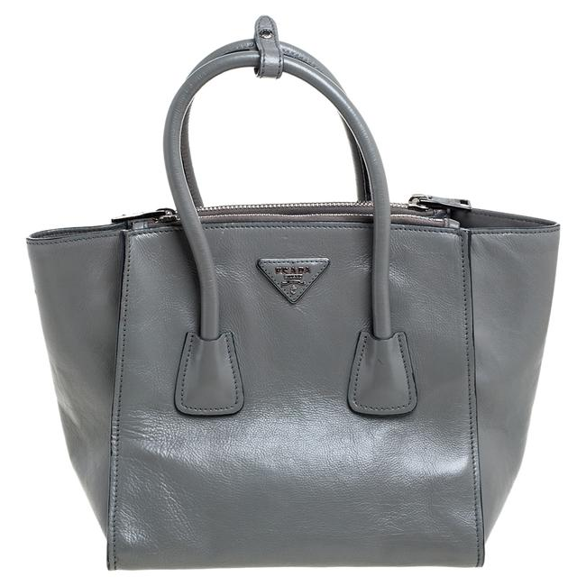 Item - Twin Pocket Grey Glace Leather Tote