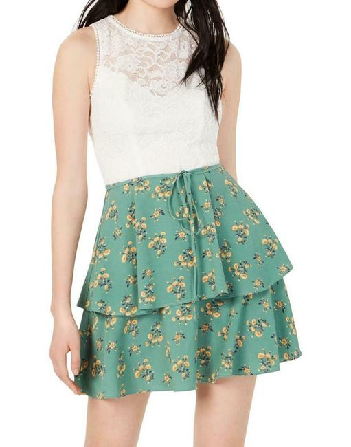 Item - Green Size 1 Junior A-line Lace Tier Contrast Formal Dress