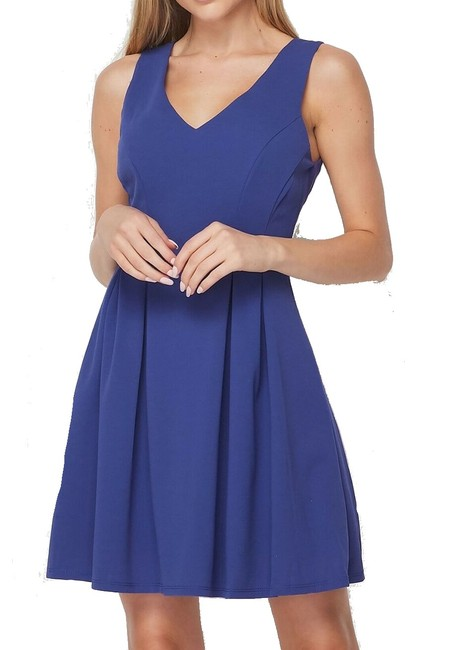 Item - Blue Size 5 Junior's A-line V-neck Flare Pleated Fit Cocktail Dress