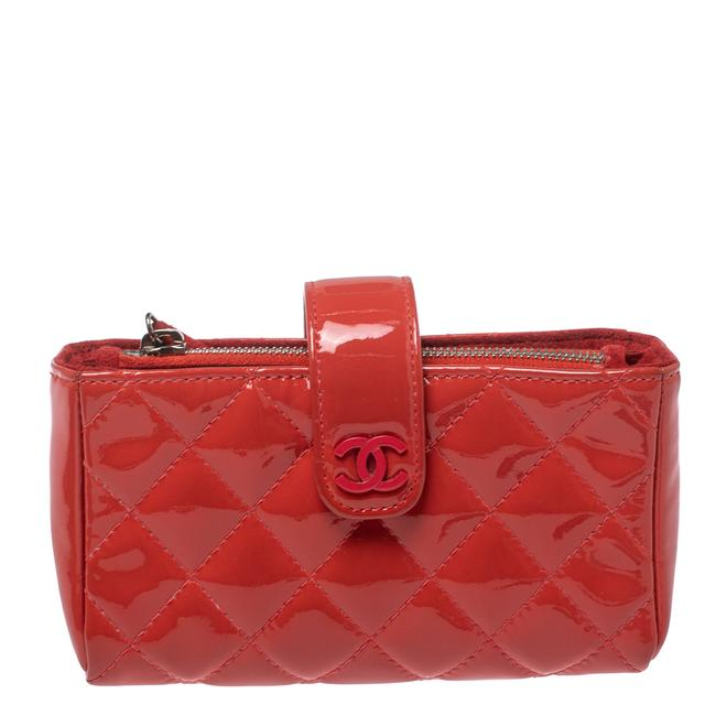 Item - Coral Red Quilted Patent Leather Cc Phone Holder Pouch Clutch