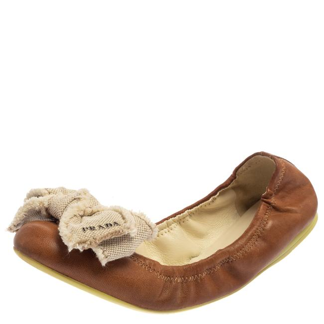 Item - Brown/White Leather and Canvas Scrunch Bow Ballet Size 37.5 Flats