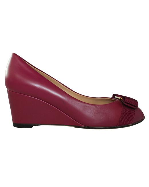 Item - Purple Leather with Bow -pre Owned Wedges