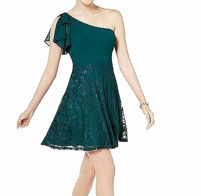 Item - Green Size 7 Junior A-line One Shoulder Ruffle Lace Cocktail Dress