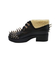 Gucci Shearling-trimmed Spiked Leather Boots/Booties