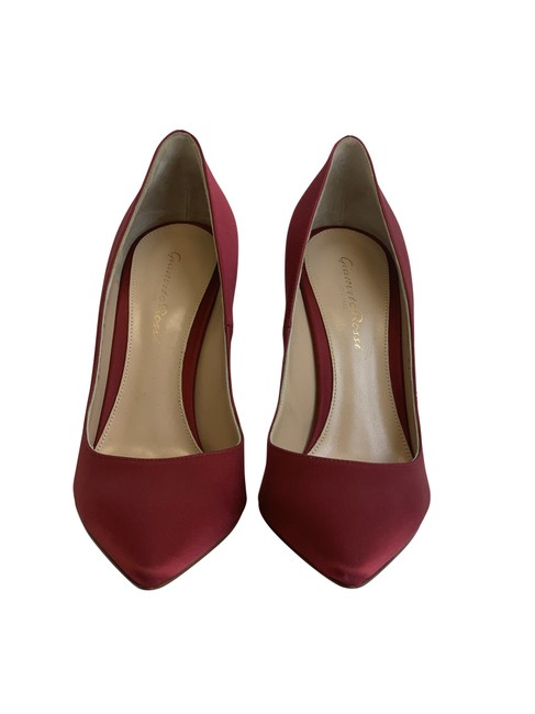 Item - Womens 105 Red Suede Pointed Toe Pumps