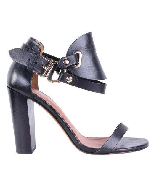 Item - Black Equestrian Sandal -pre Owned Condition Good 39 Formal