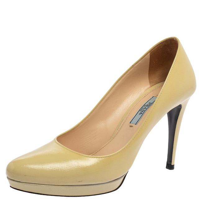 Item - Cream Leather Pointed Toe Platform Size 38 Pumps
