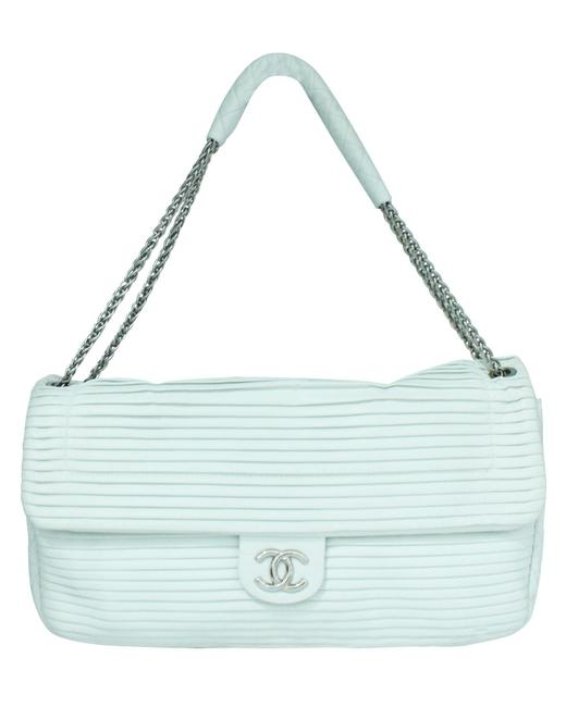 Item - White Leather Pleated Shoulder Bag