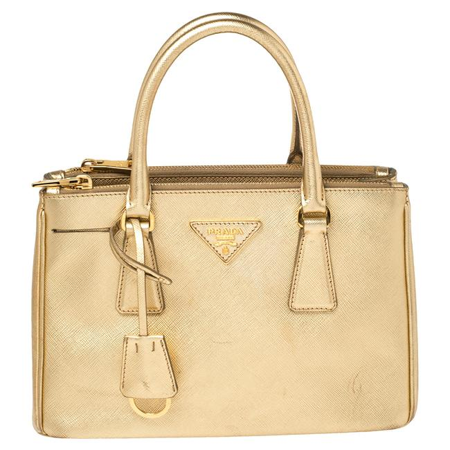 Item - Double Lux Metallic Gold Saffiano Leather Small Zip Tote